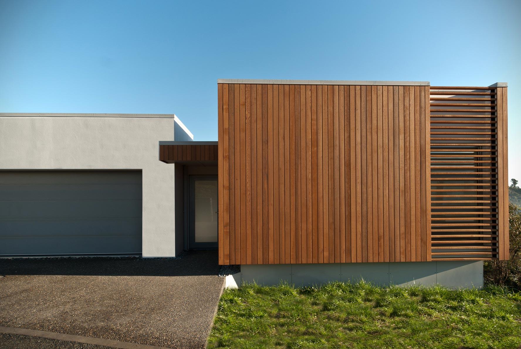 Tony-Karsten_Cat2_Hillside-House_Image-1